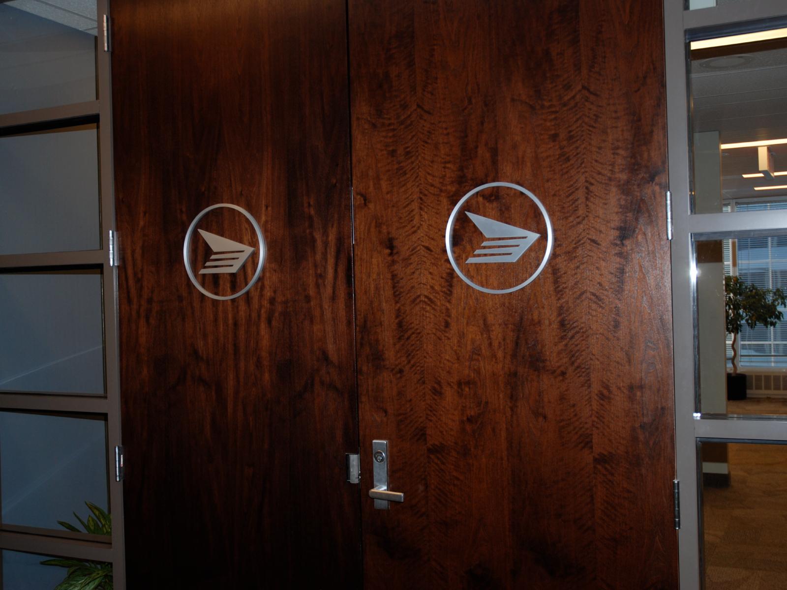Canada_Post_Door_Signage-1600x1200
